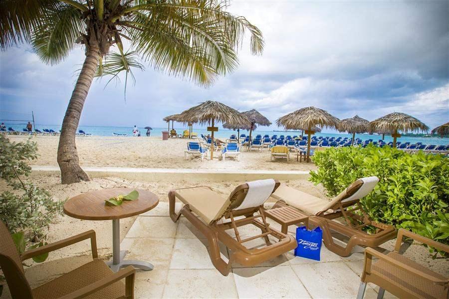 BeachfrontRoomPatio