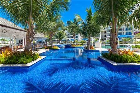 Port Ferdinand Luxury Resortand Residence Pool Day