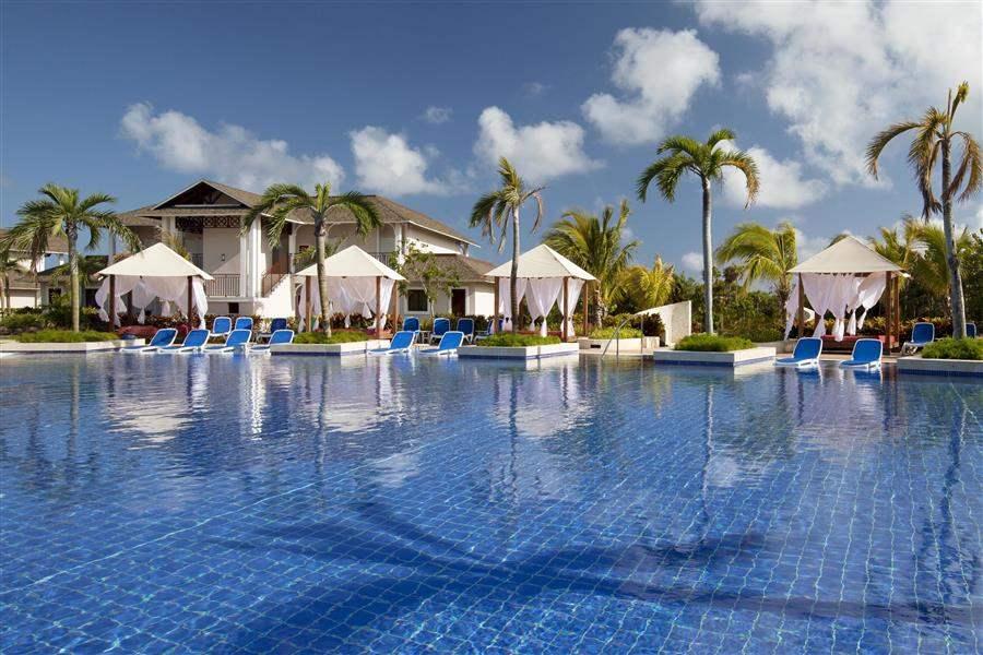 Royalton Cayo Santa Maria Pool Cabanas