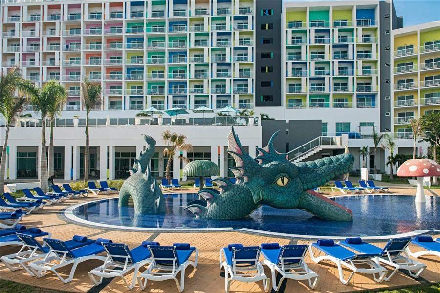Bella Vista Main Pool