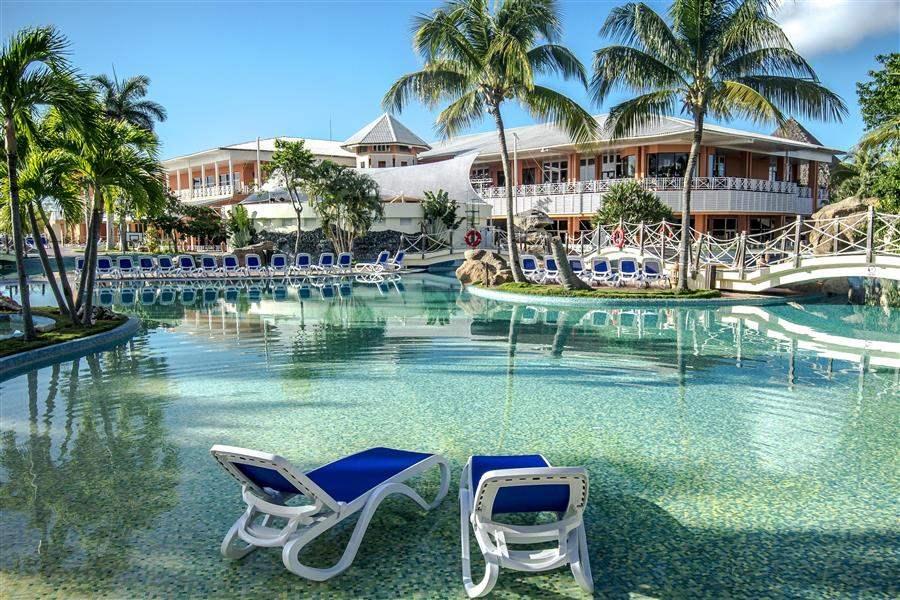 Royalton Hicacos Varadero Resort and Spa Pool Day
