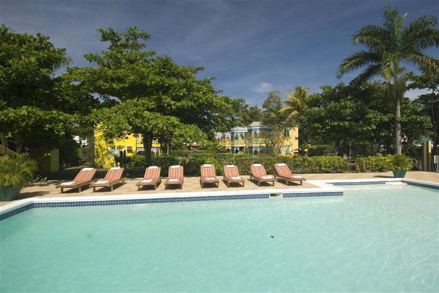 ResortPool