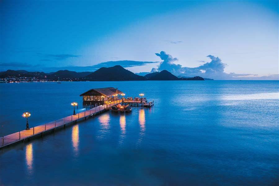 Sandals Grande St Lucian Spaand Beach Resort Gordons On The Pier