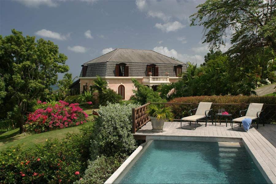 The Villasat Stonehaven Villa With Pool