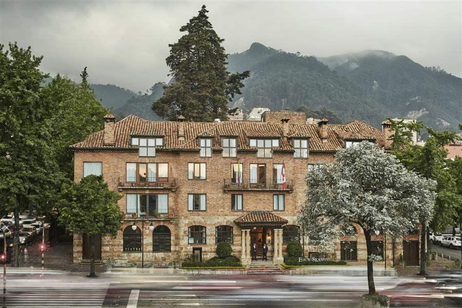 Four seasons casa medina best at travel for Casa mansion bogota