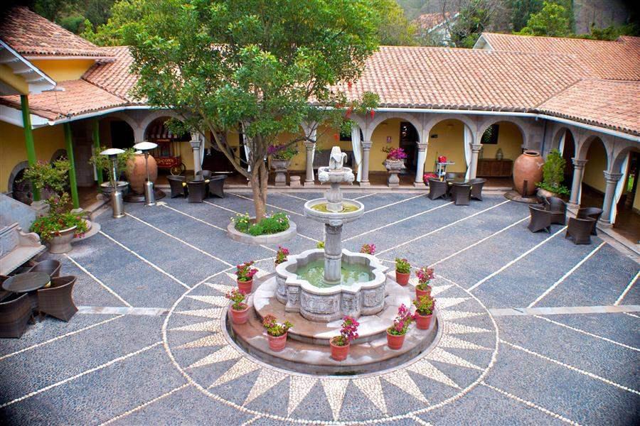 Aranwa Sacred Valley Hotel Courtyard