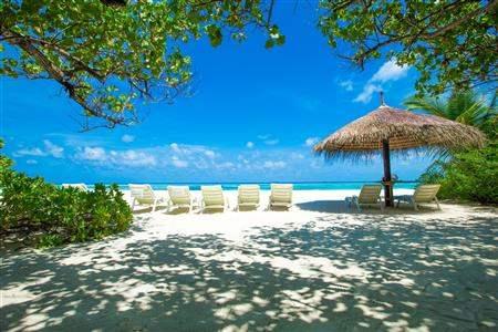 MaldivesBeachLoungers