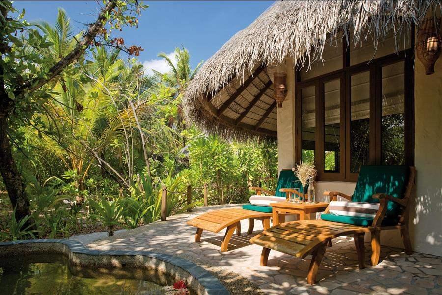 Coco Palm Dhuni Kolhu Deluxe Villa Exterior