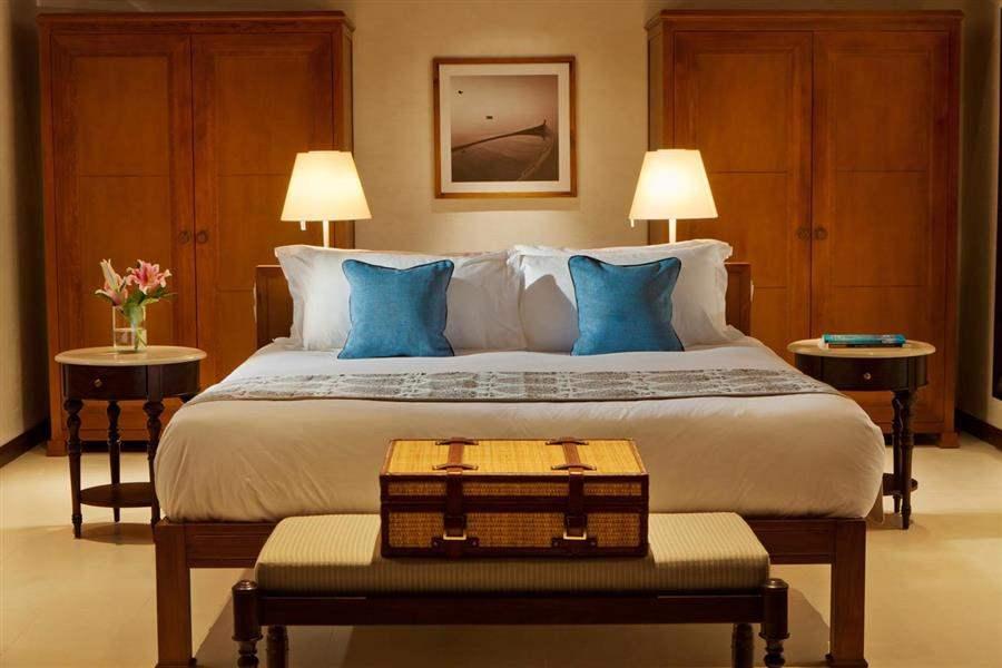 The Residence Maldives Beach Pool Villa Bed