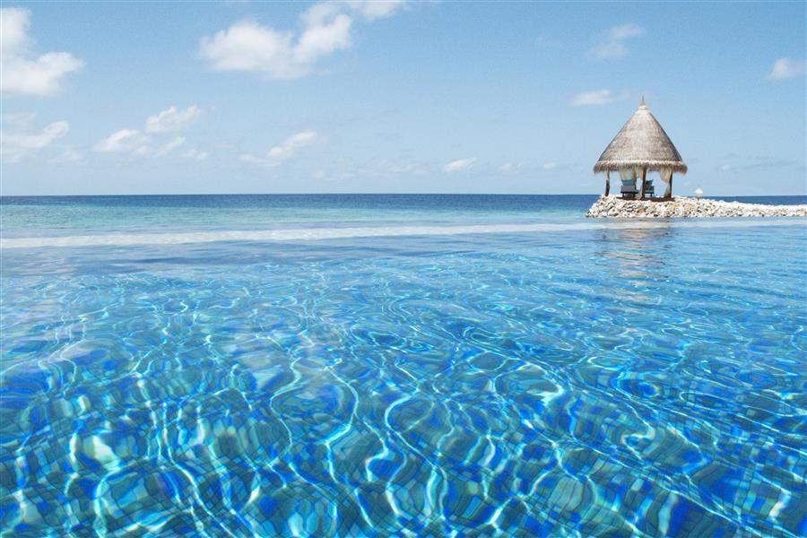 Vivanta By Taj Coral Reef Maldives Pool Moon Deck