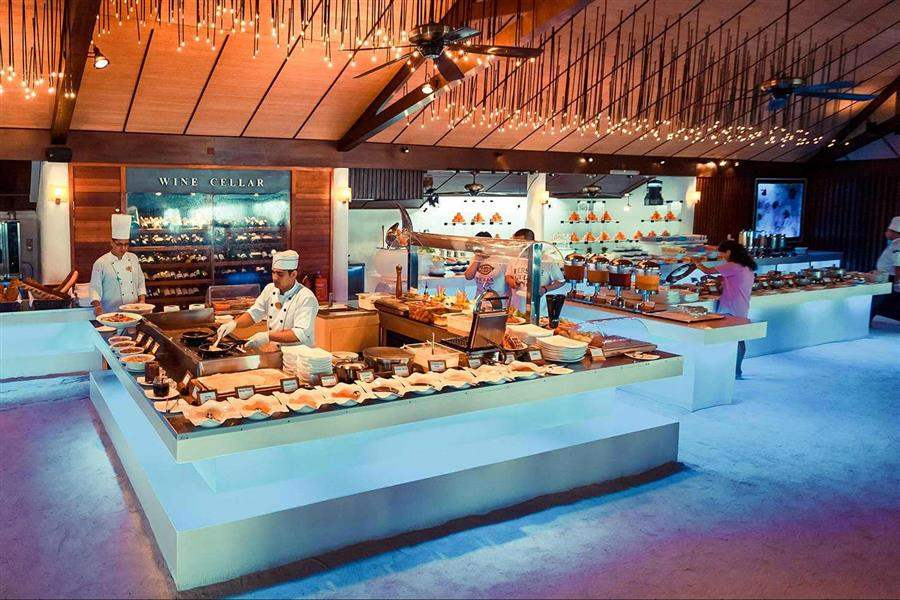 Lily Beach Resort and Spaat Huvahendhoo Maa Buffet