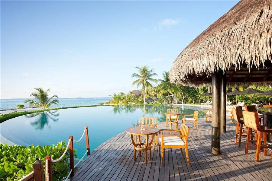 L U X South Ari Atoll Maldives Veli Bar Restaurant