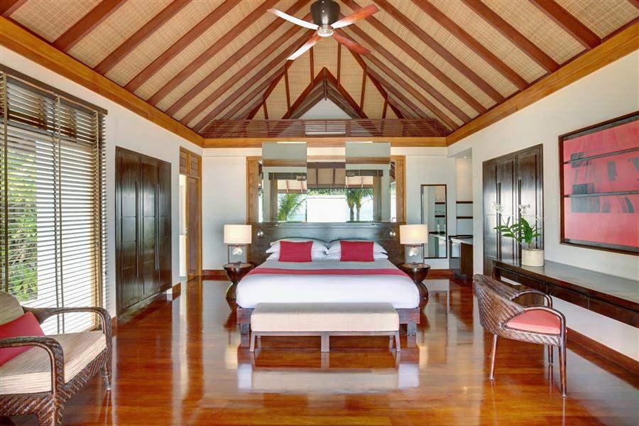 L U X South Ari Atoll Maldives Beach Pool Villa Bed