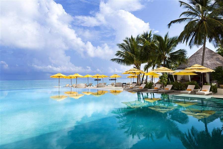 Niyama Maldives Swimming Pool