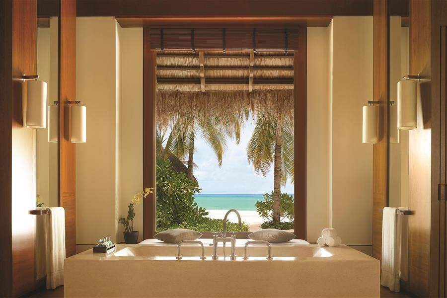 Oneand Only Reethi Rah Beach Villa Bathroom