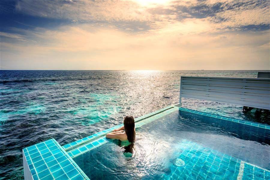 Sunset Ocean Pool Villa View