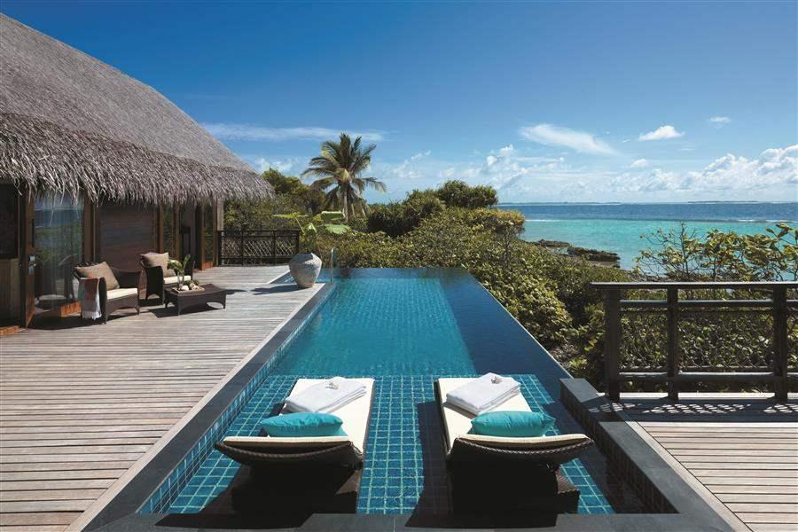 Shangri La Villingili Resort  and Spa Villa Infinity Pool