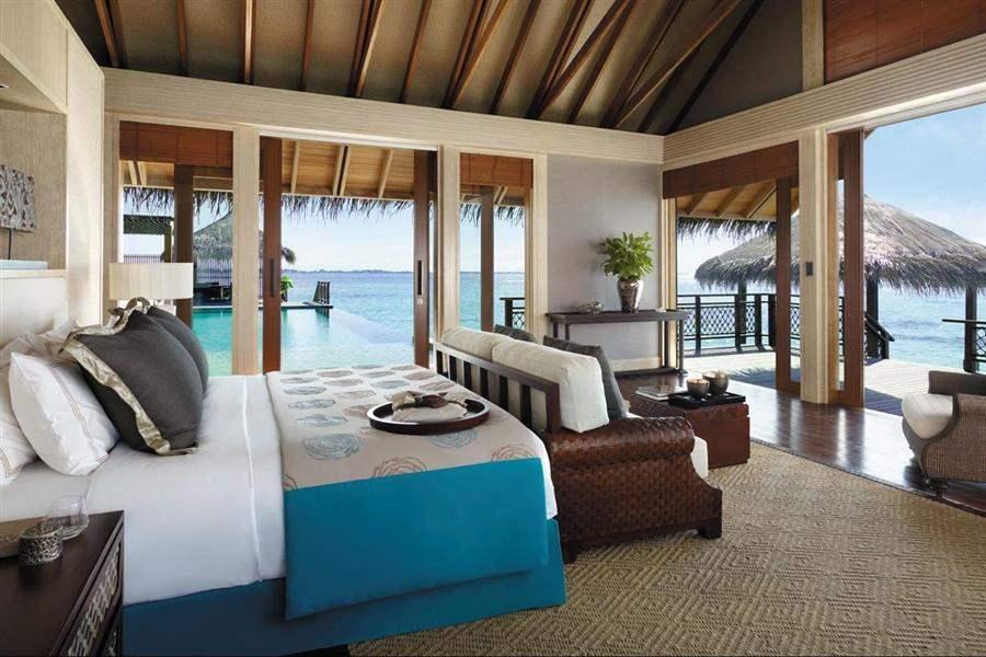 Shangri La Villingili Resort  and Spa Villa Bedroom