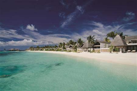 Jumeirah Vittaveli Maldives Beach Villa Exterior