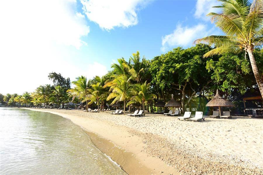 The Ravenala Attitude Hotel Beach Day