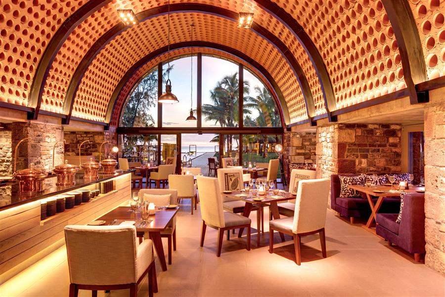 Outrigger Mauritius Beach Resort Mercado Interior