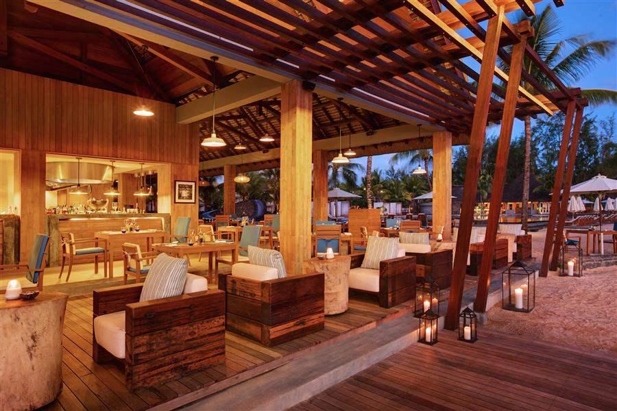 Outrigger Mauritius Beach Resort Edgewater Night