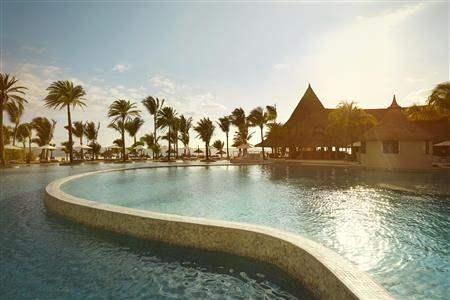 L U X Belle Mare Resort Pool