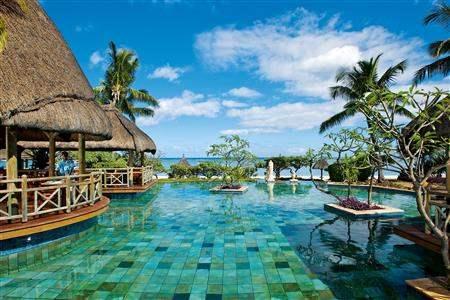La Pirogue Resort and Spa Swimming Pool