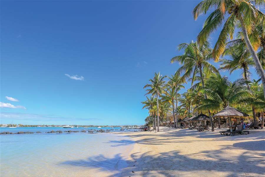Le Mauricia Beach Day