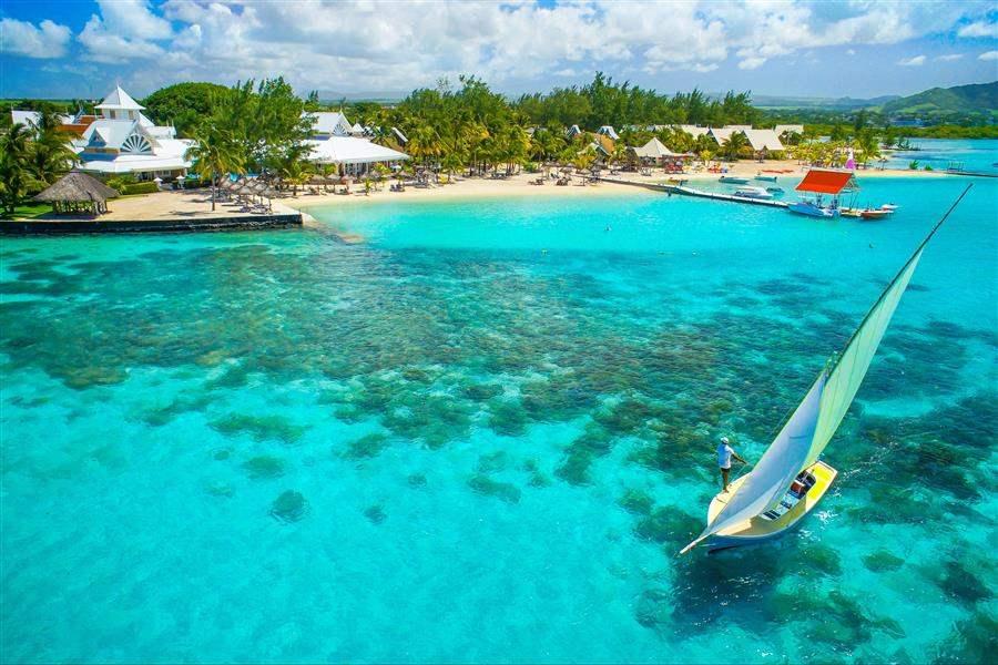BeachSeaBoat