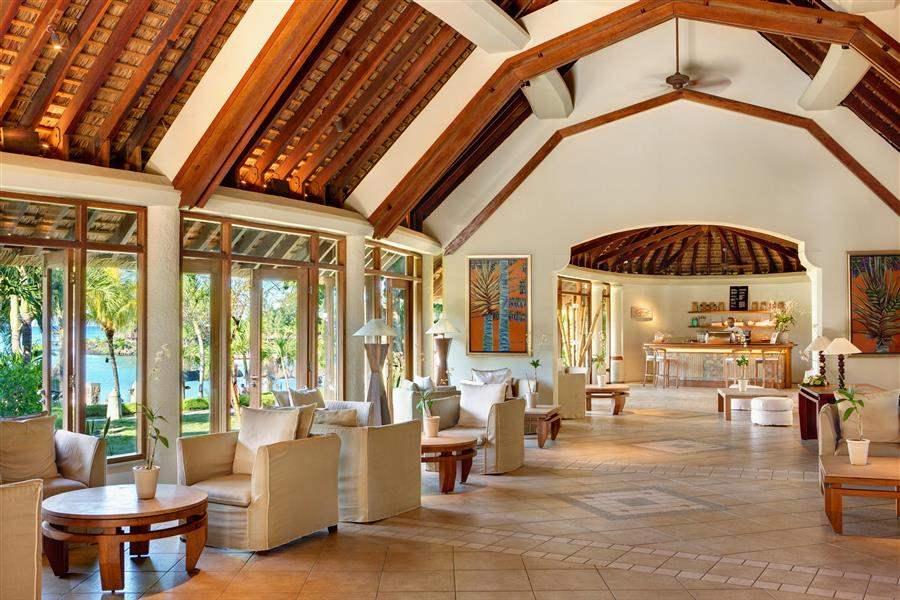 L U X Grand Gaube Lobby