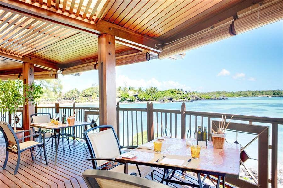 L U X Grand Gaube Restaurant Terrace