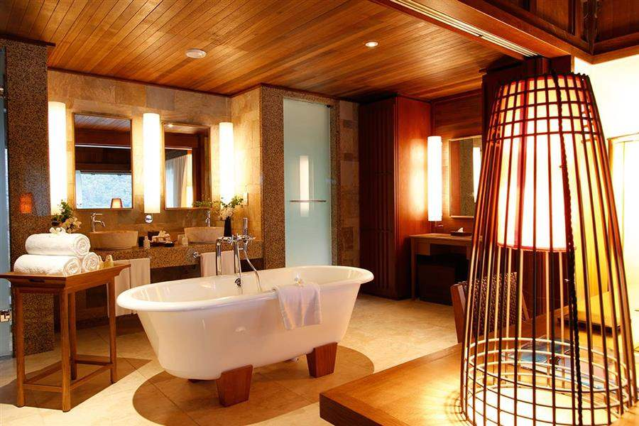 Constance Ephelia Resort, Mahe Hillside Villa Bathroom
