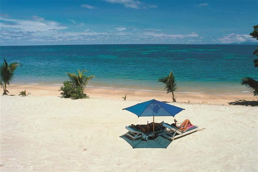 Cocode Mer Hoteland Black Parrot Suites Beach Sunbathing