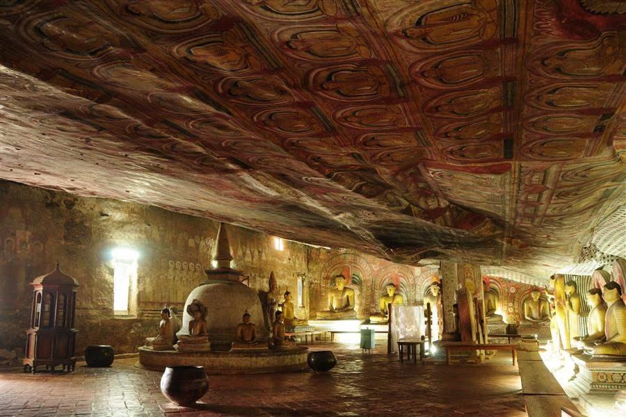 dambulla rock cave temple sri lanka