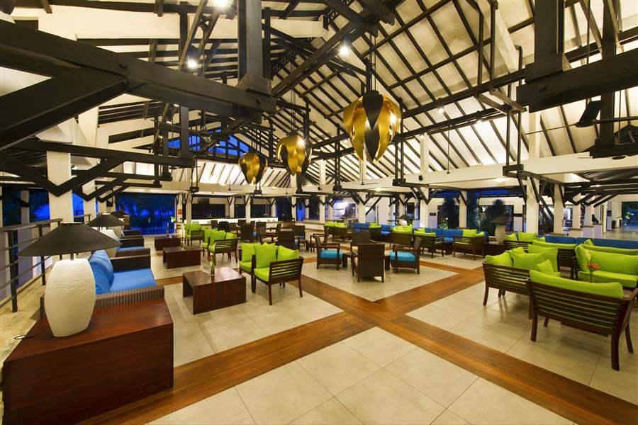 Club Hotel Dolphin Waikkal Aqua Lounge