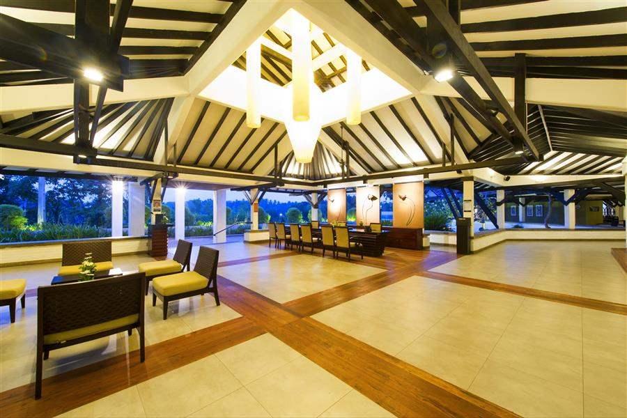 Club Hotel Dolphin Waikkal Reception