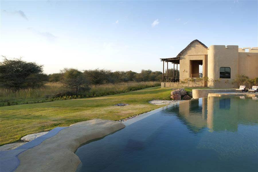 Anantara Sir Bani Yas Island Al Sahel Villa Resort Pool Exterior