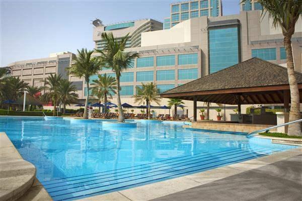 Beach Rotana Abu Dhabi Swimming Pool
