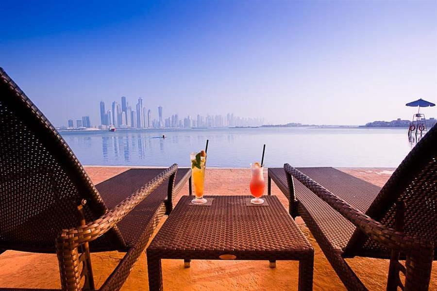 Movenpick Hotel Ibn Battuta Gate Dubai Loungers View