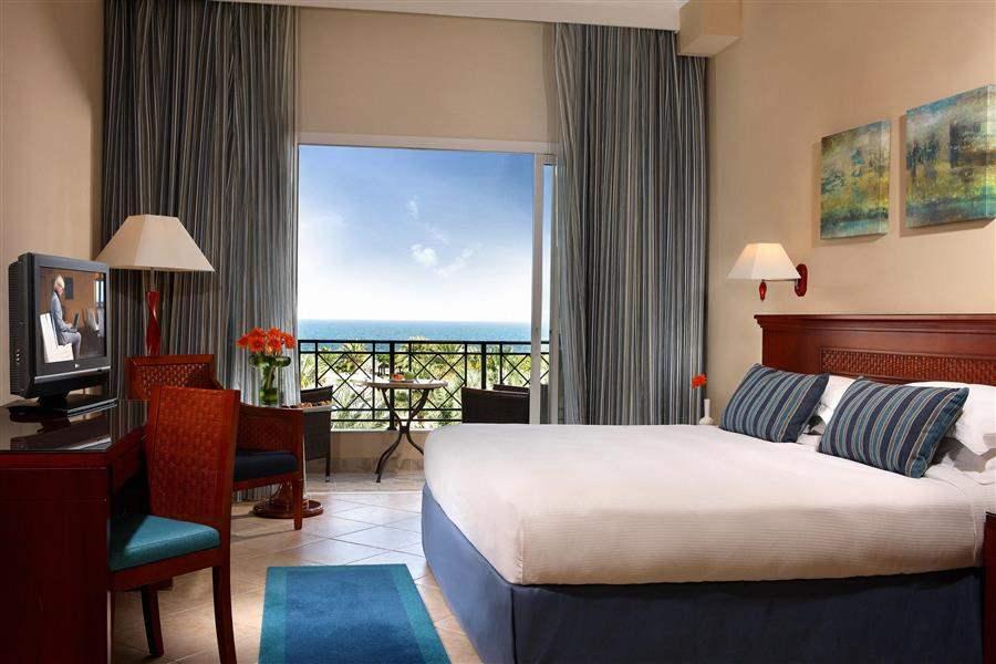 Fujairah Rotana Resort and Spa Dubai Classic Room King