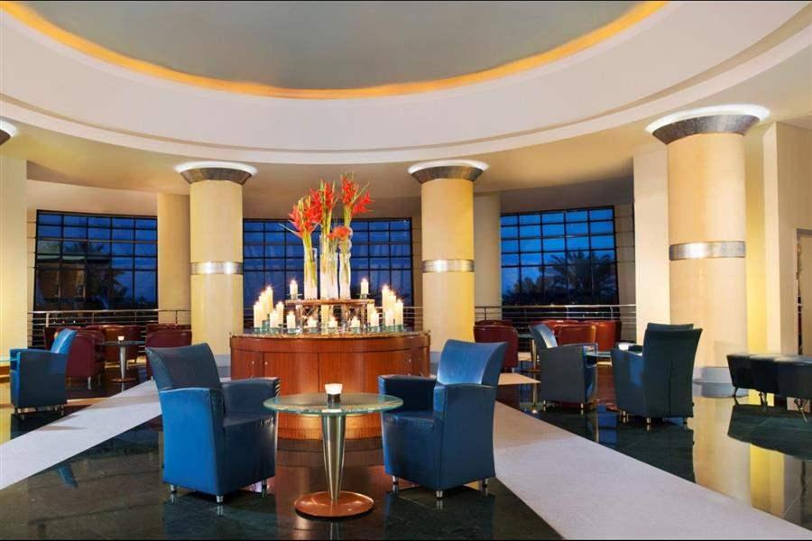Le Meridien Al Aqah Beach Resort Lobby