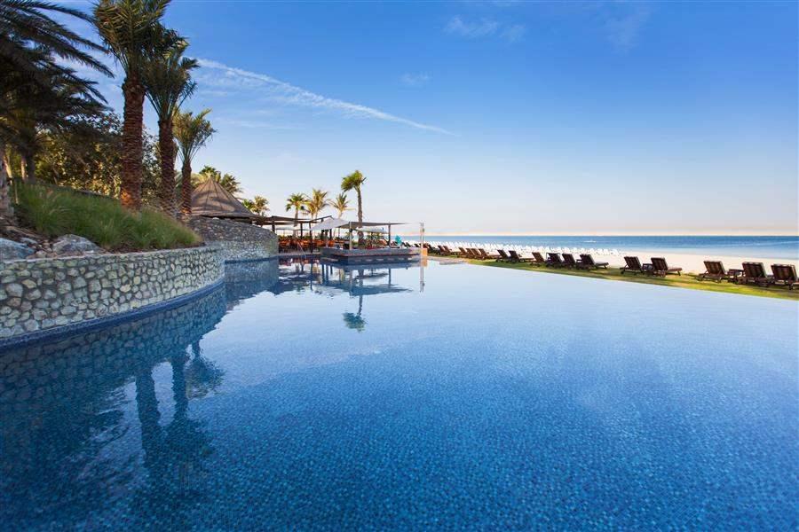 Jebel Ali Golf Resort and Spa Pool Day