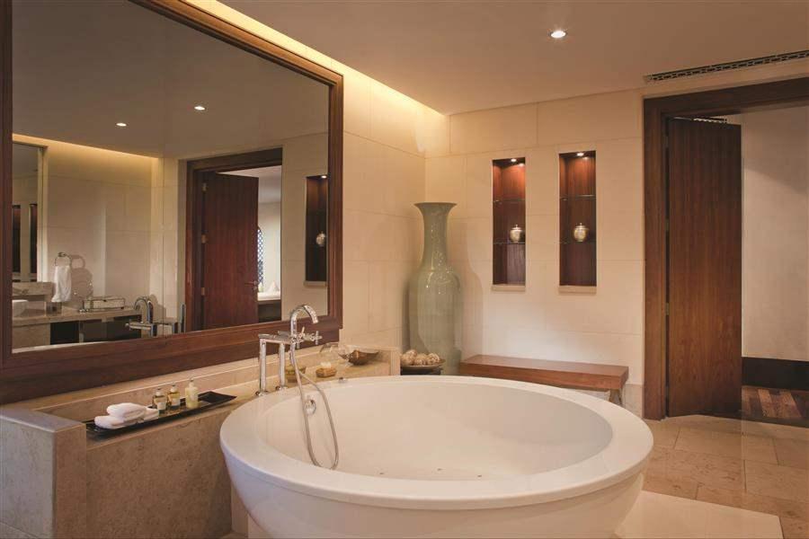 Dar Al Masyaf Madinat Jumeirah Villa Bathroom