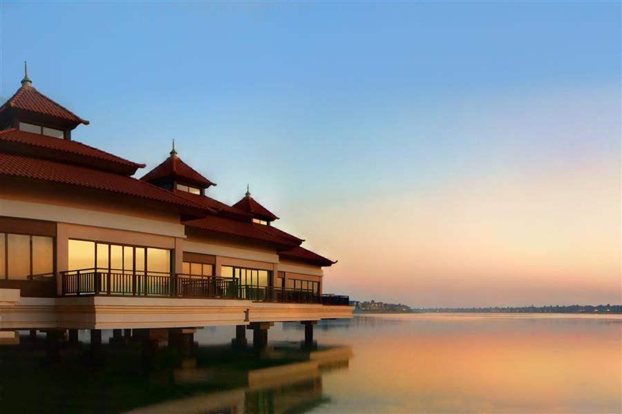 Anantara Dubaithe Palm Resort and Spa Over Water Villa
