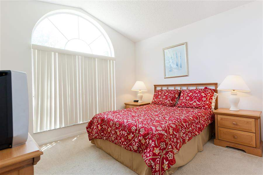 DisneyAreaExecutiveHomesbedroom