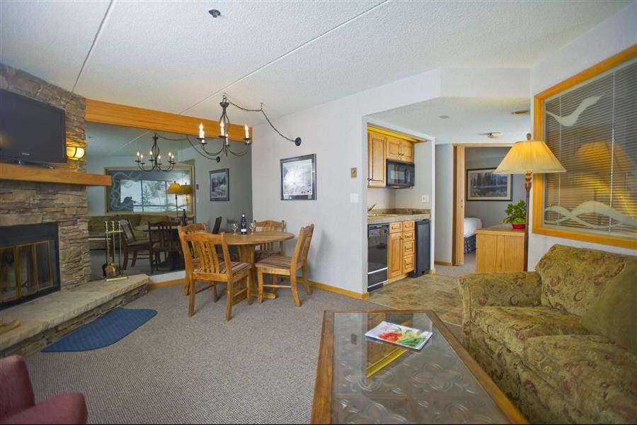 Beaver Run Resort Conference Center Living Room