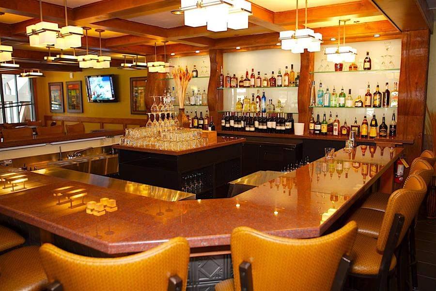 Beaver Run Resort Conference Center Bar