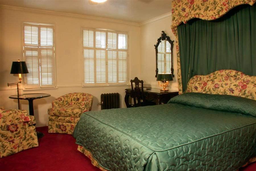 Pine Inn Double Room