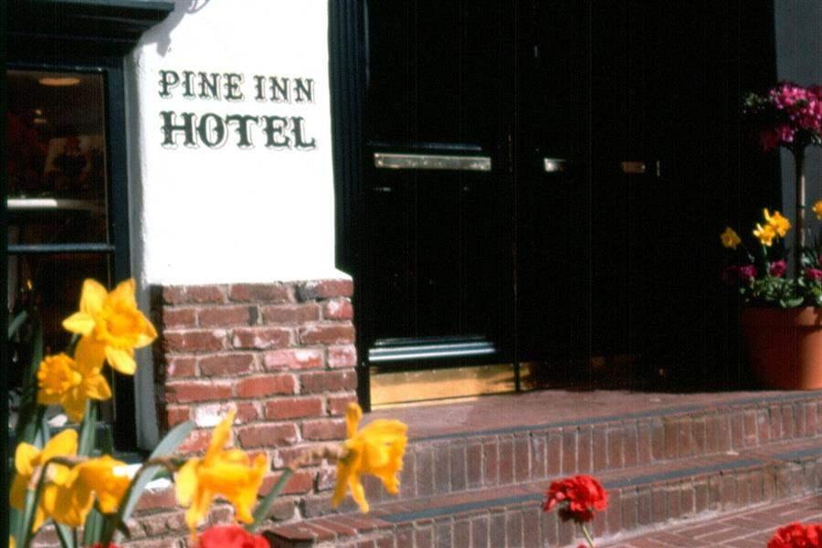 Pine Inn Hotel Signage